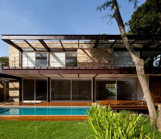 Pau Brasil House by Vasco Lopes Arquitetura