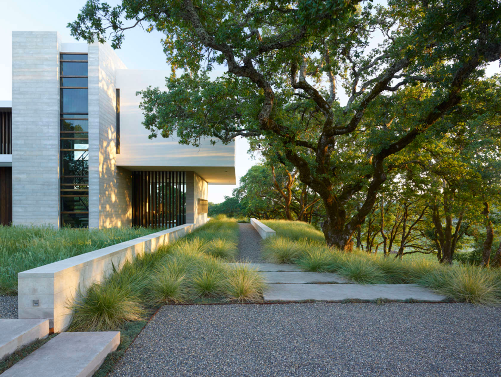Retrospect Vineyards Residence in Windsor by Swatt Miers Architects-03