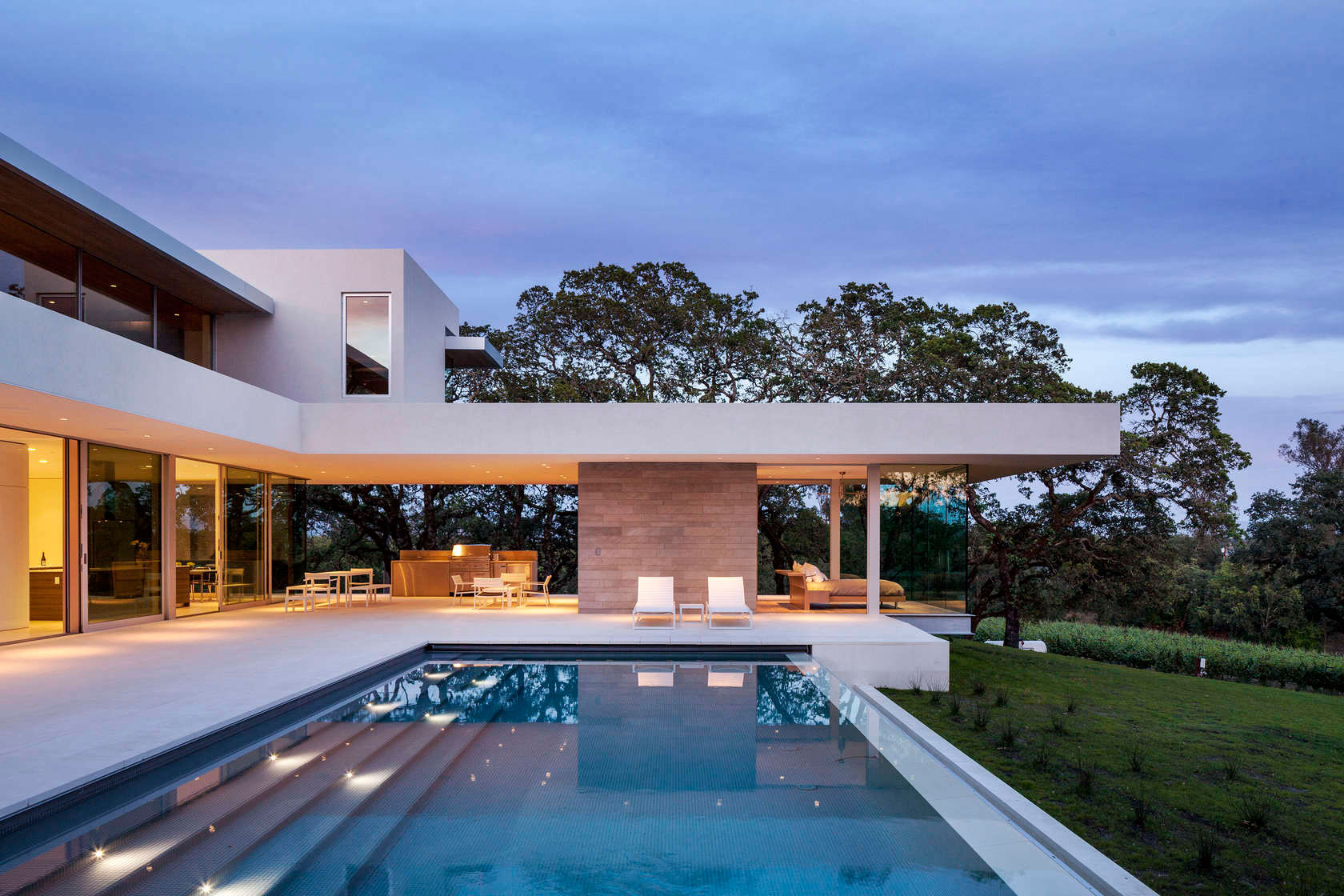 Retrospect Vineyards Residence in Windsor by Swatt Miers Architects-13