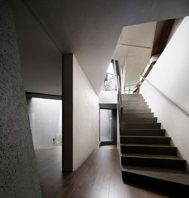 SRK Home in Meguro, Japan by Artechnic-08
