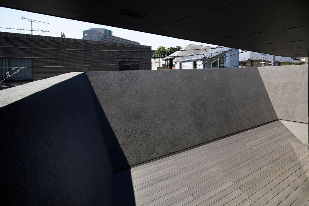 SRK Home in Meguro, Japan by Artechnic-21