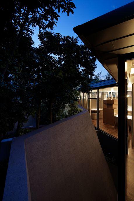 SRK Home in Meguro, Japan by Artechnic-25