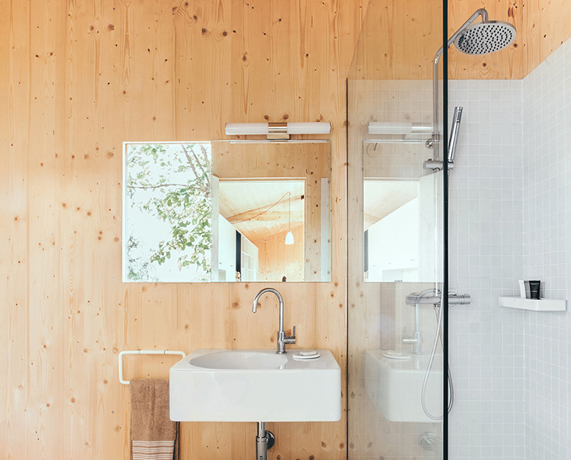Sant Cugat Wood Studio House by Dom Arquitectura-10