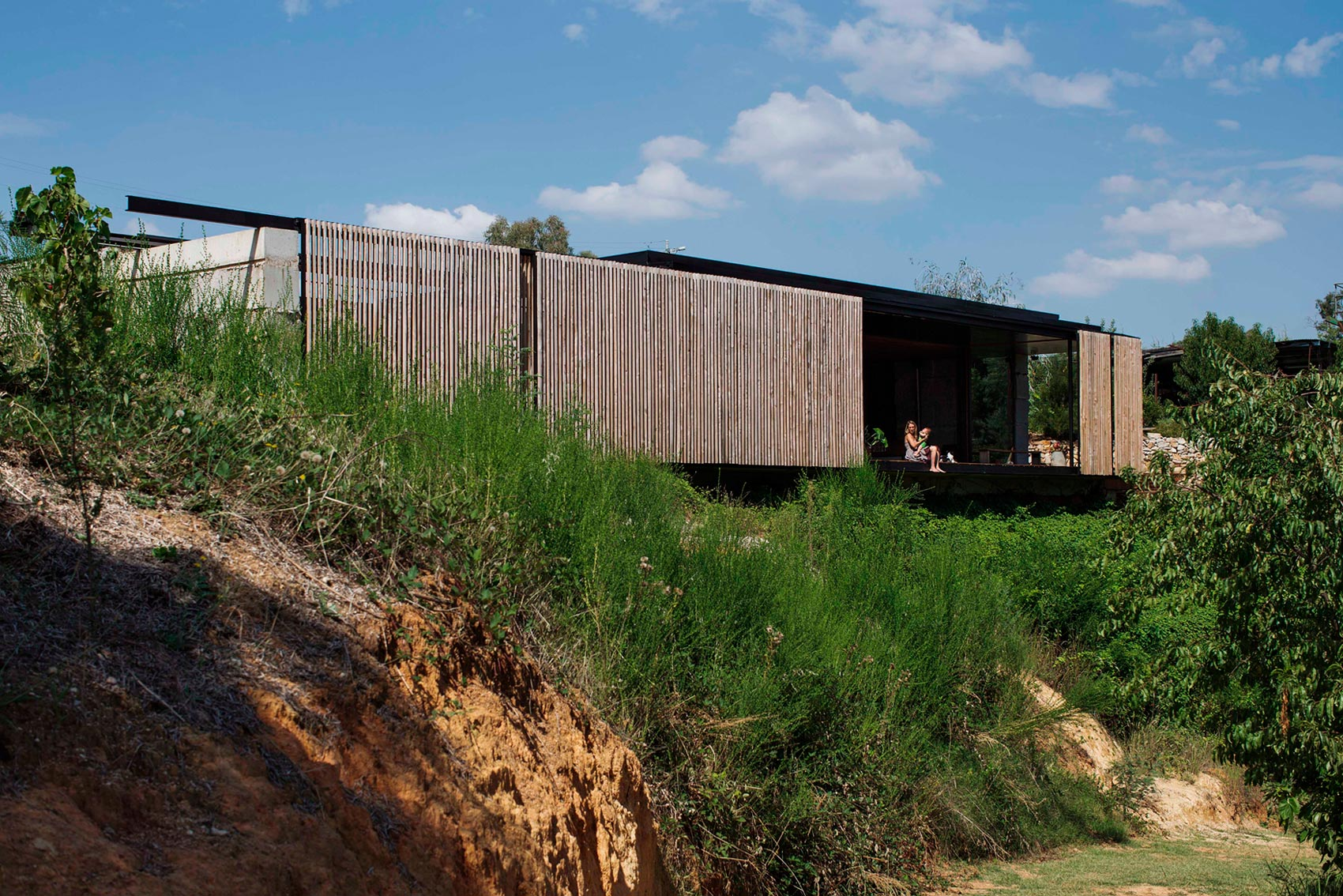 Sawmill House built of Reclaimed Concrete Blocks Used by ARCHIER-07