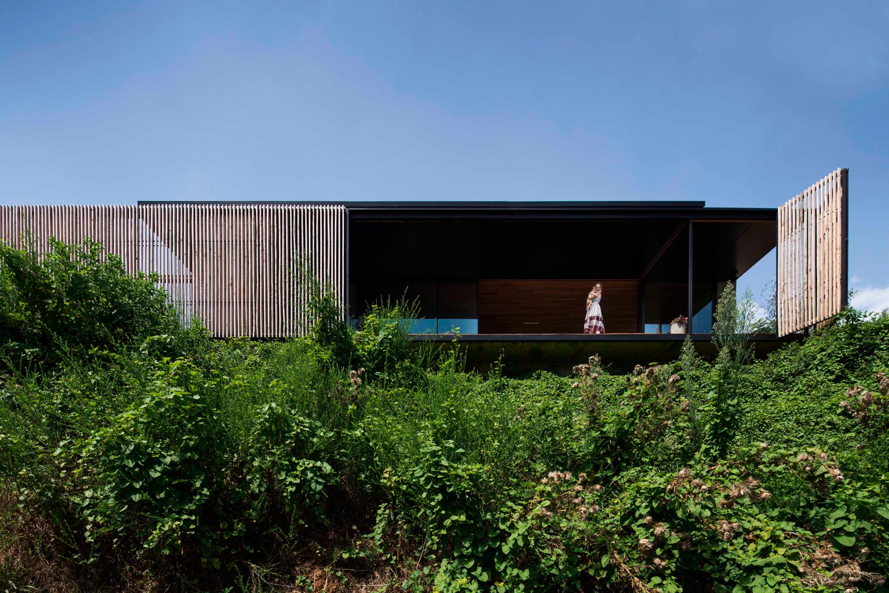 Sawmill House built of Reclaimed Concrete Blocks Used by ARCHIER-10