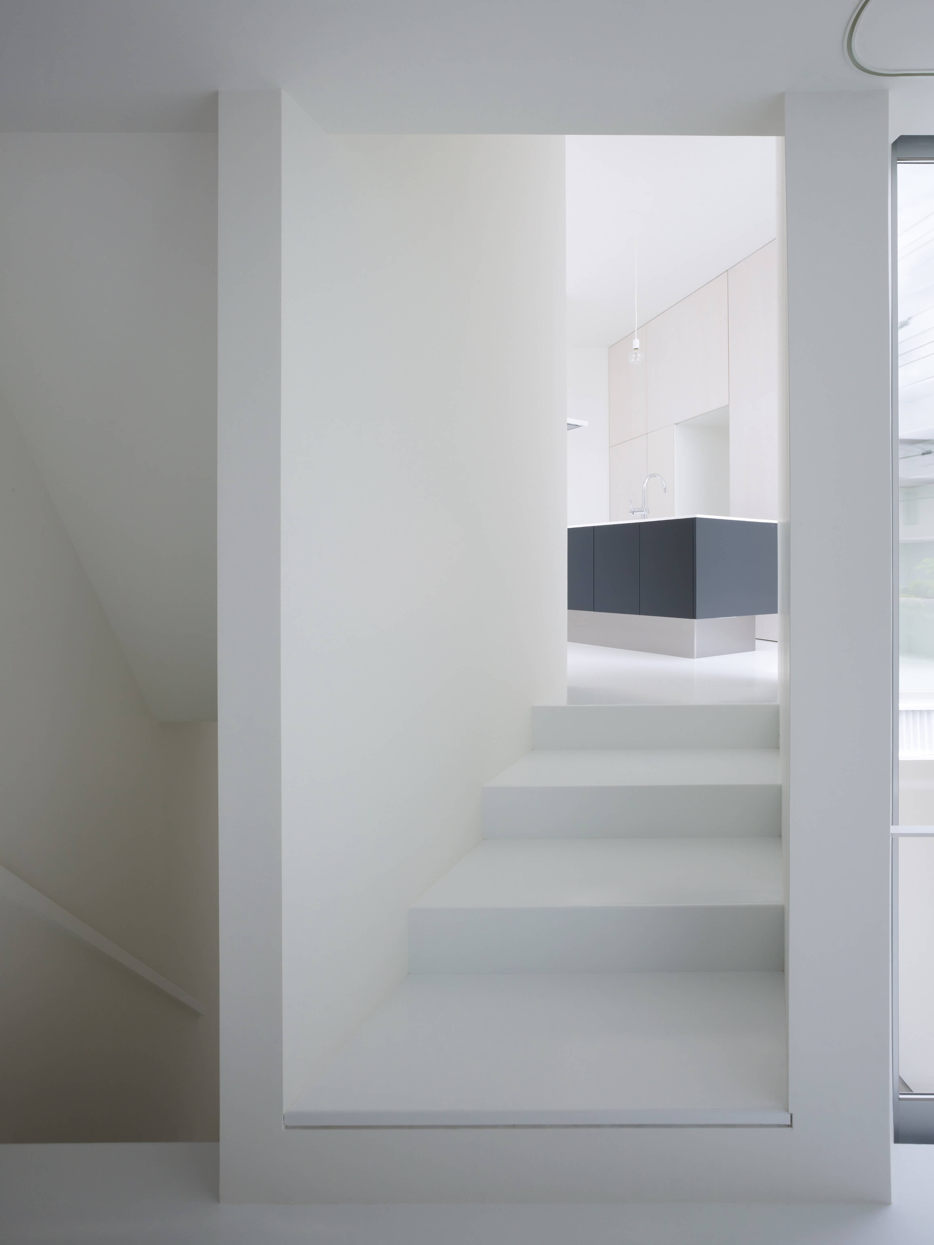 Slice of the City Residence in Hyogo by Alphaville Architects-05