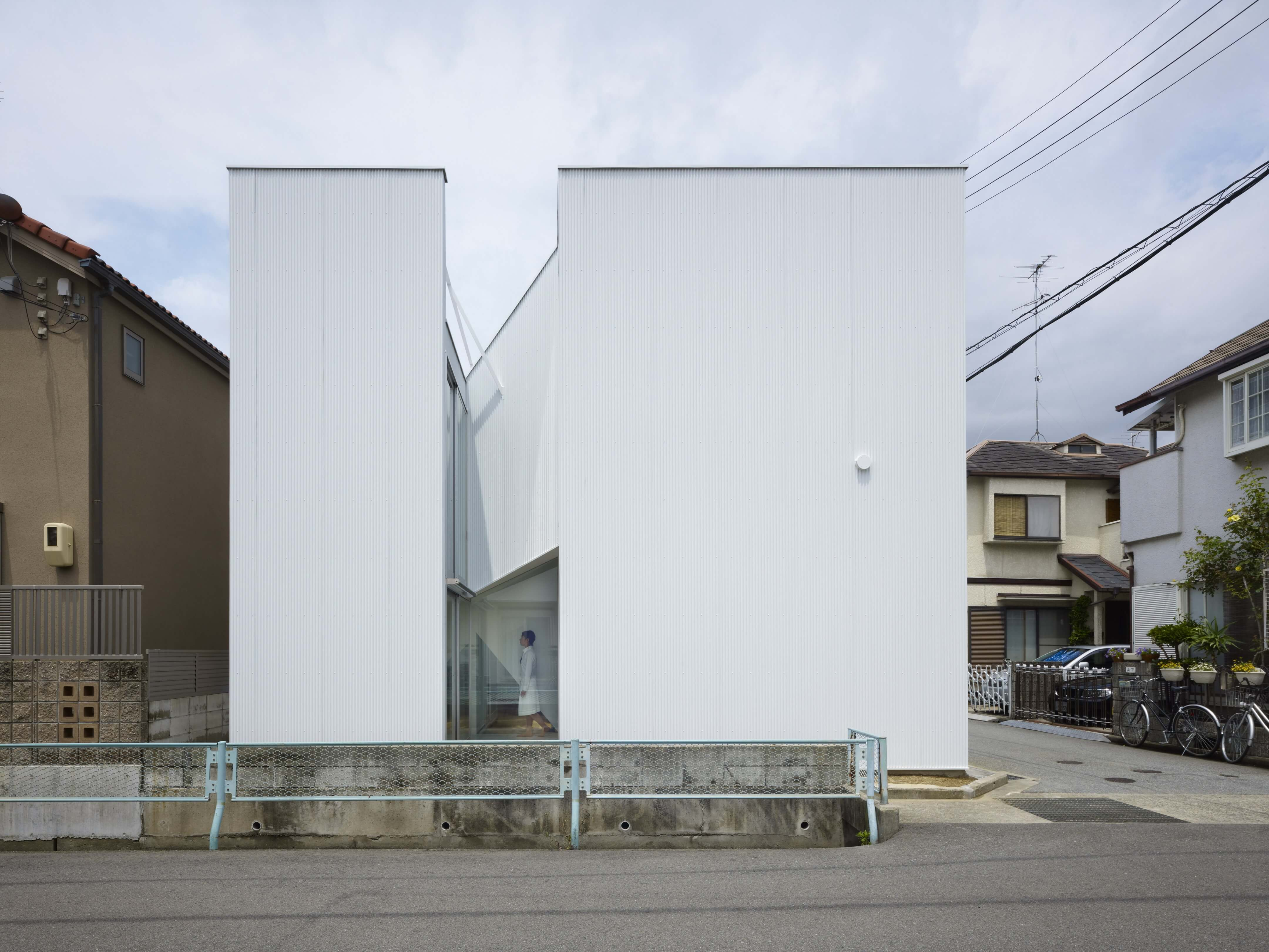 Slice of the City Residence in Hyogo by Alphaville Architects-18