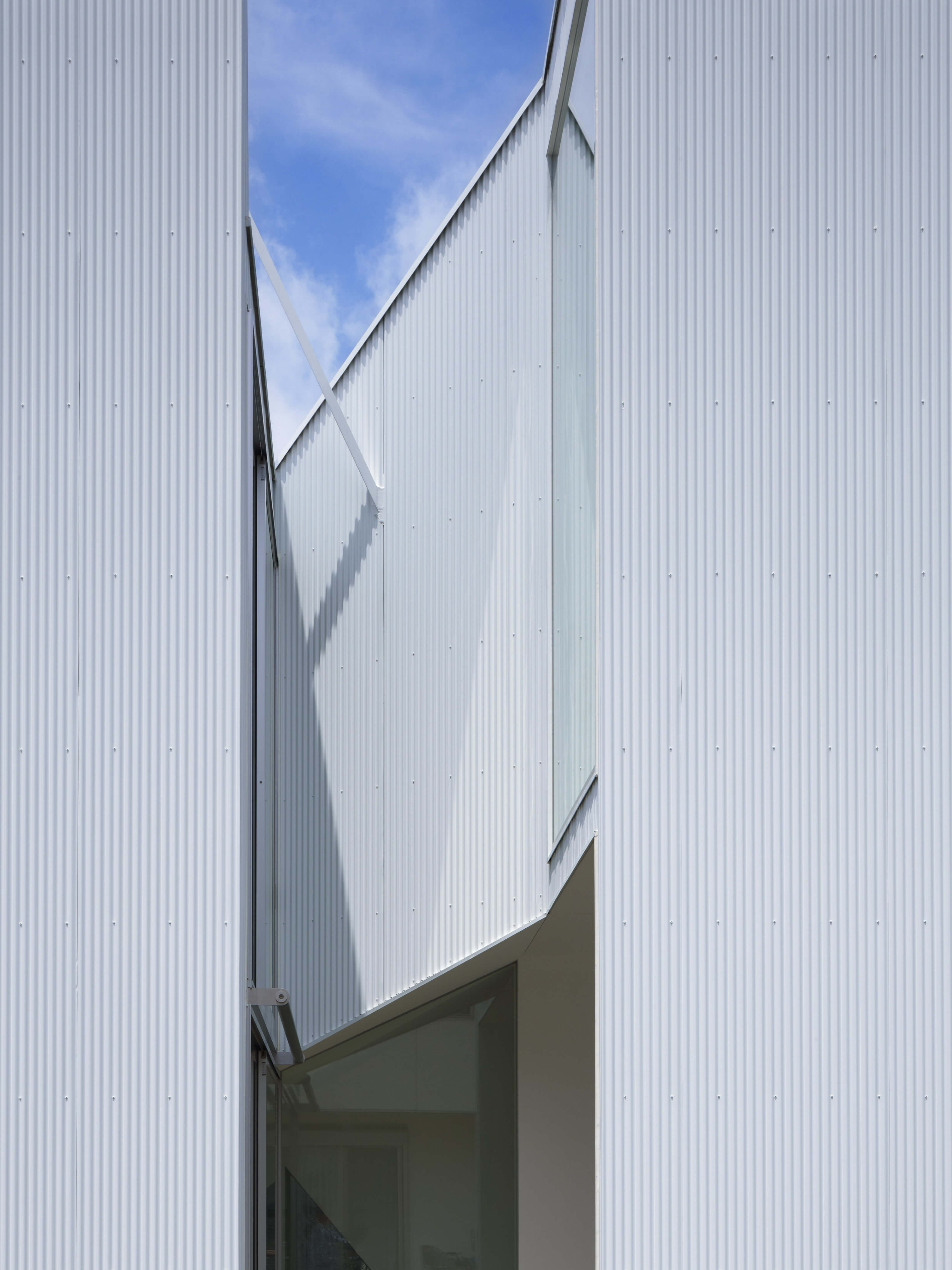 Slice of the City Residence in Hyogo by Alphaville Architects-19