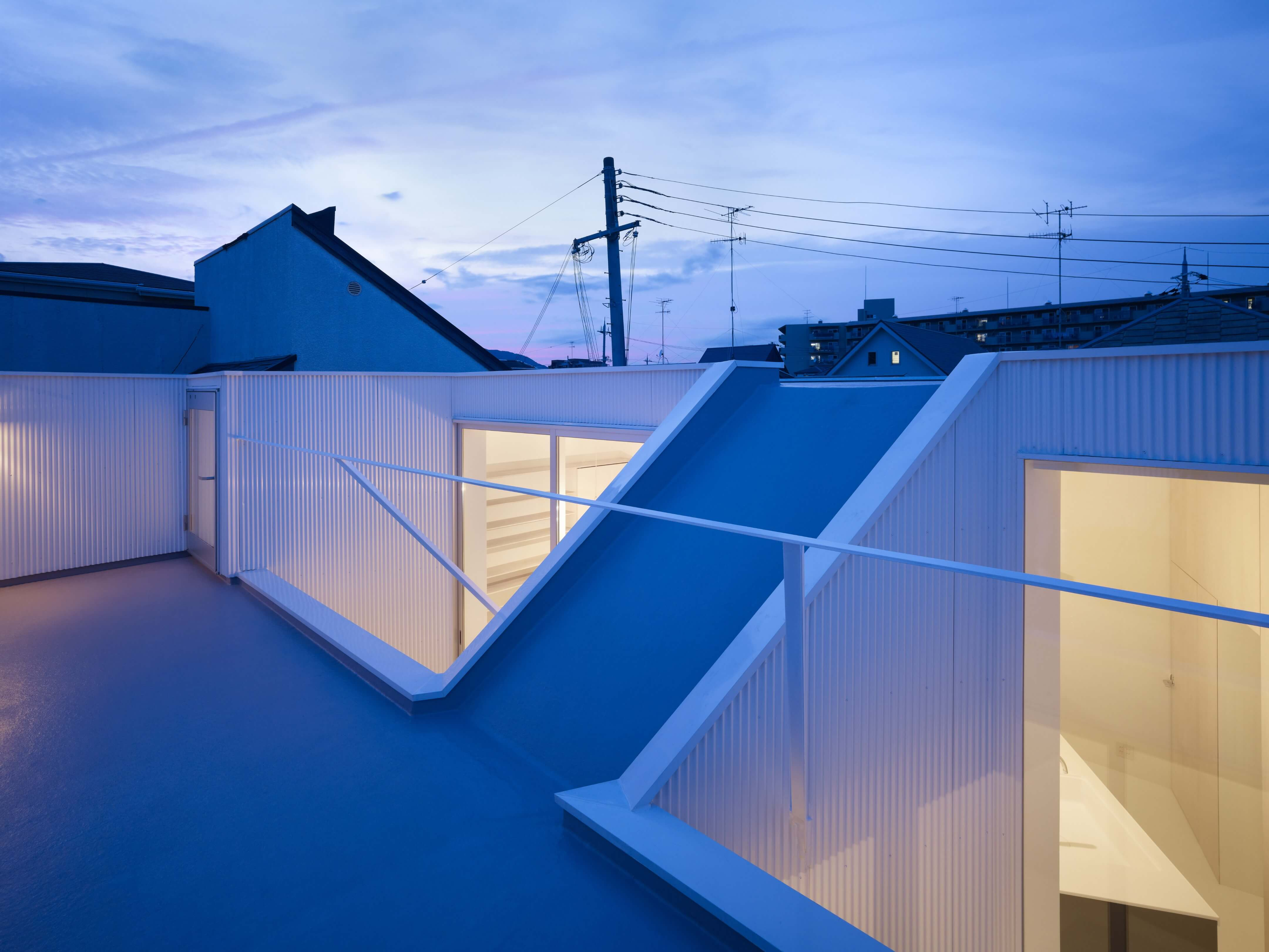 Slice of the City Residence in Hyogo by Alphaville Architects-20
