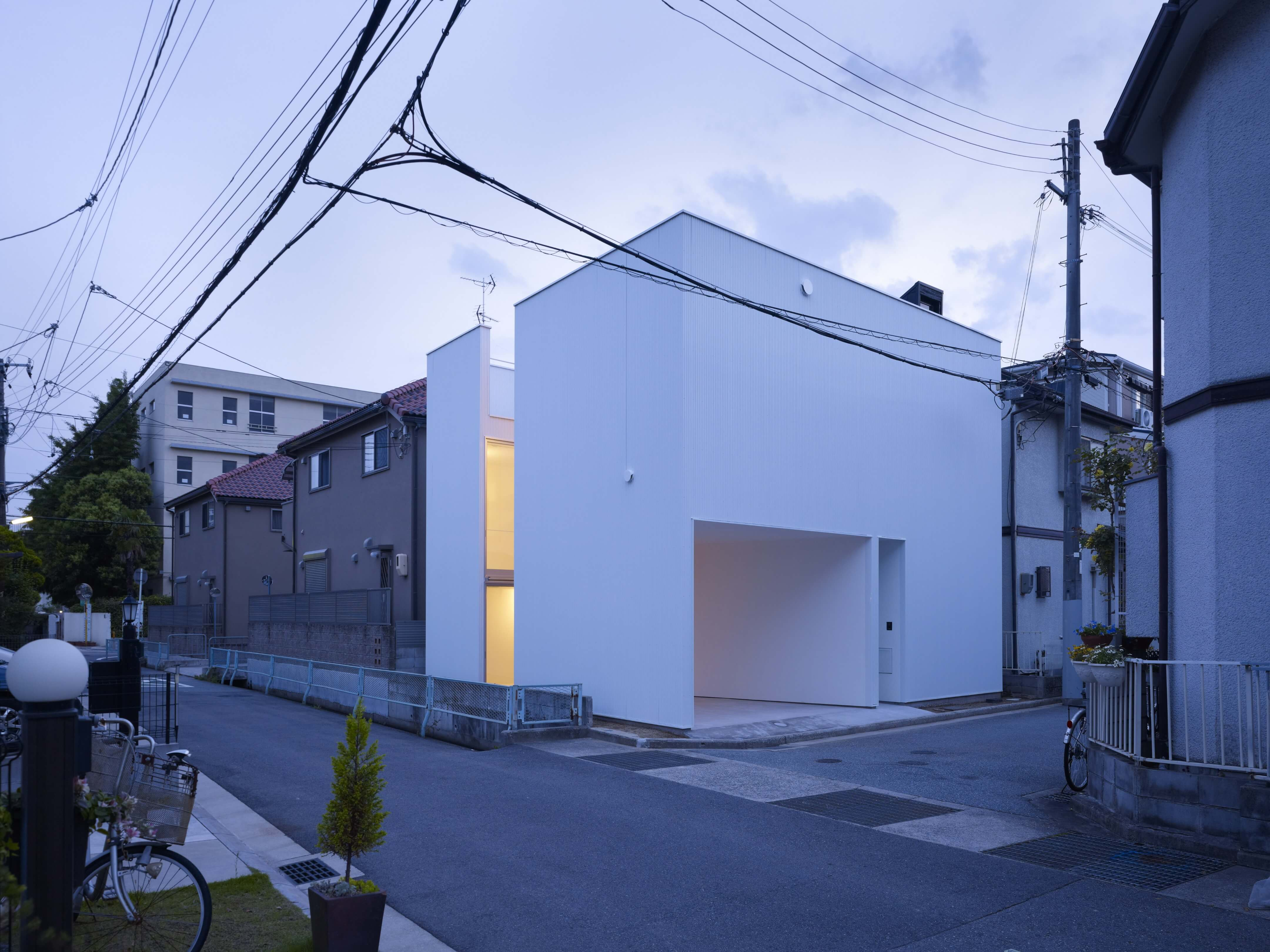 Slice of the City Residence in Hyogo by Alphaville Architects-21