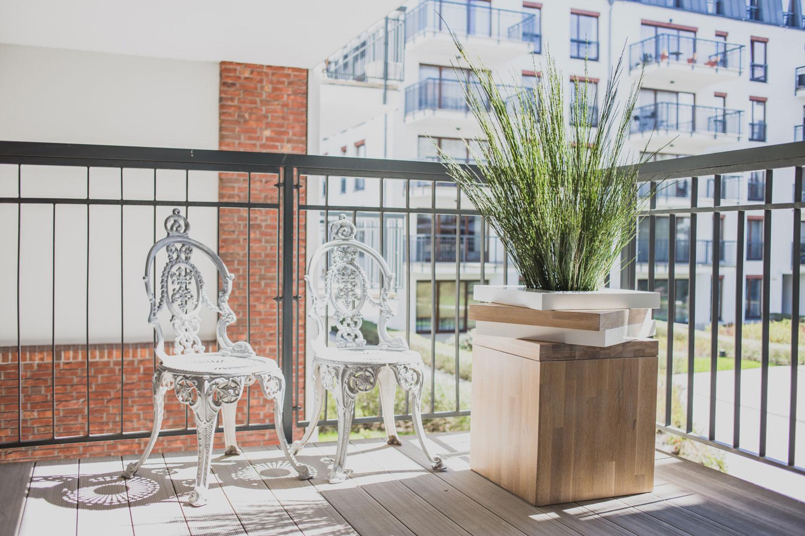 Szafarnia 2 Compact Apartment by Raca Architekci-01