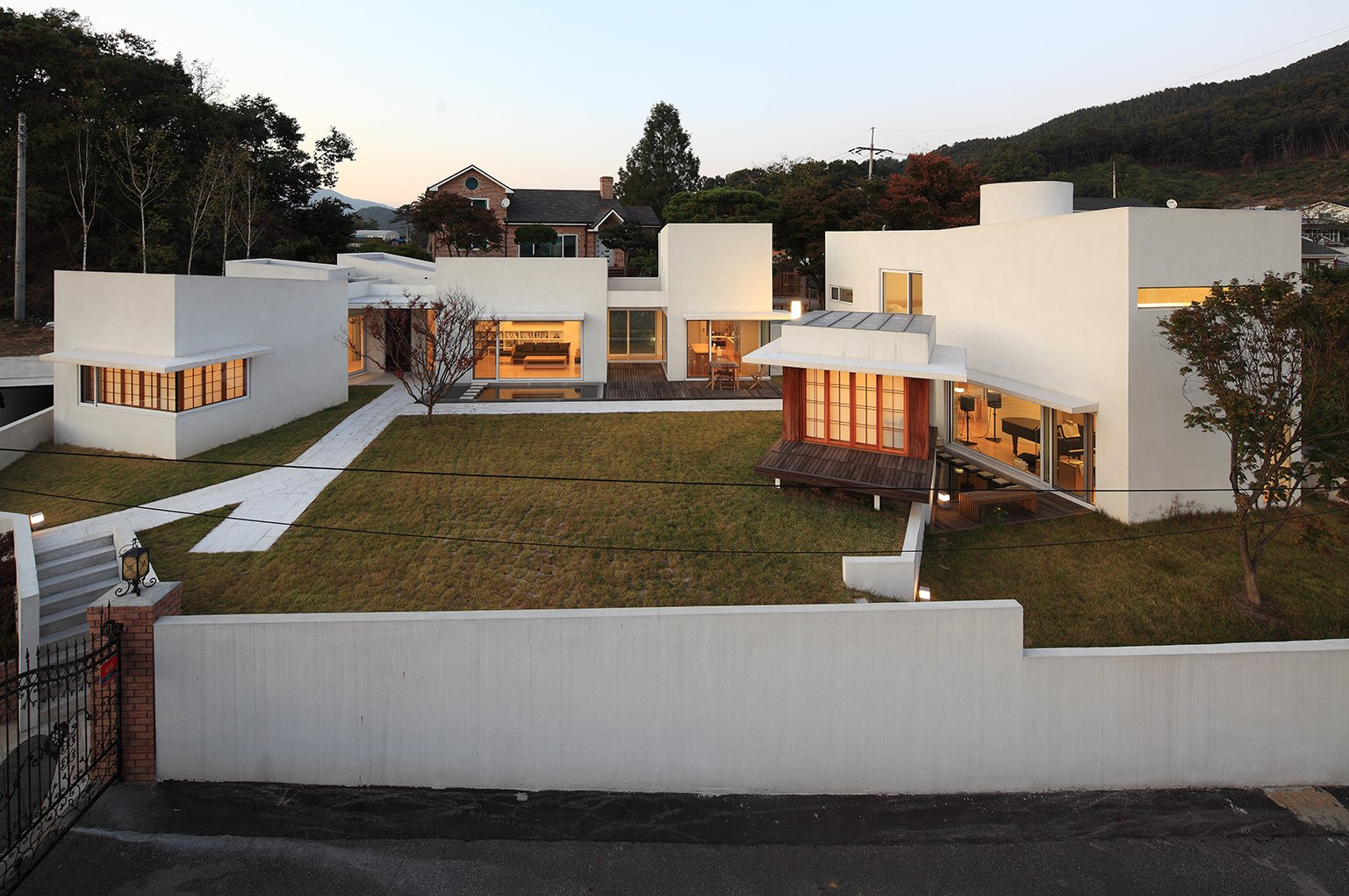 Teochon House by IROJE Architects & Planners-05