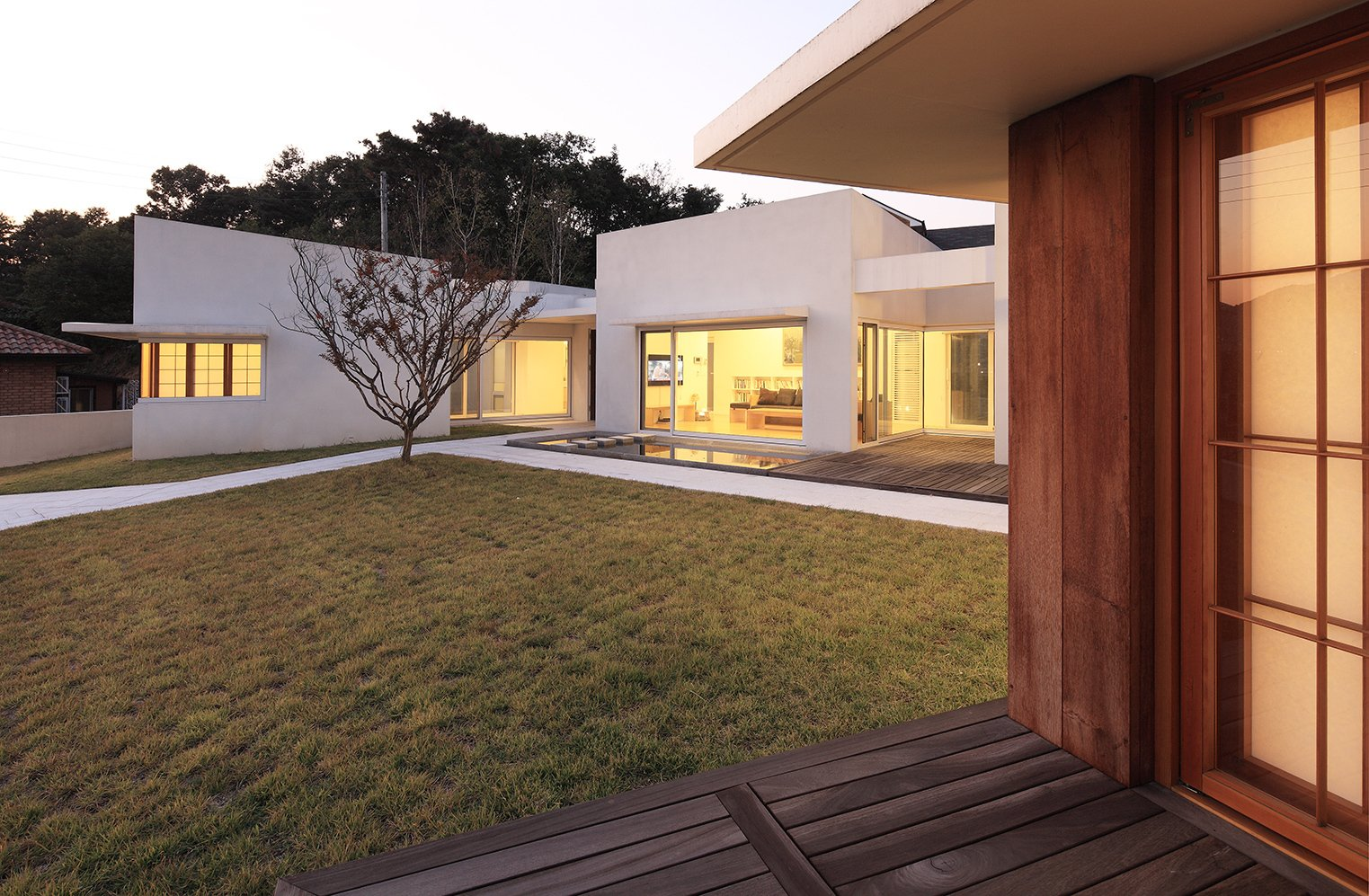 Teochon House by IROJE Architects & Planners-12
