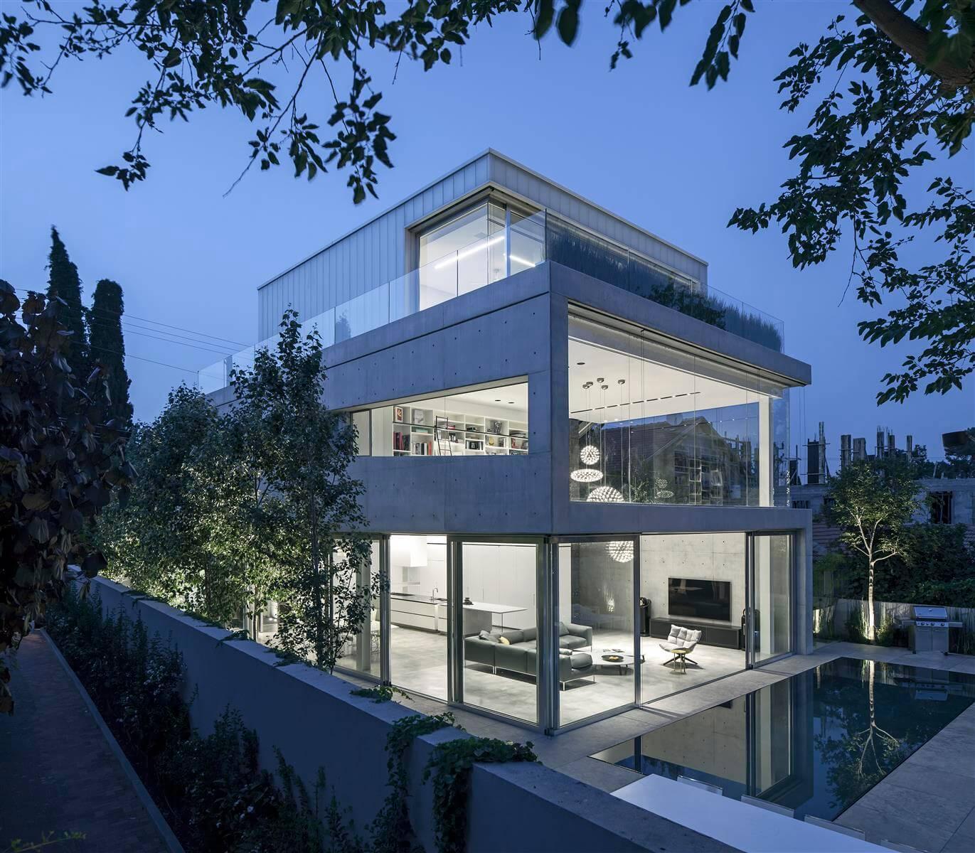 The Concrete Cut House in Ramat Gan by Pitsou Kedem Architects-03
