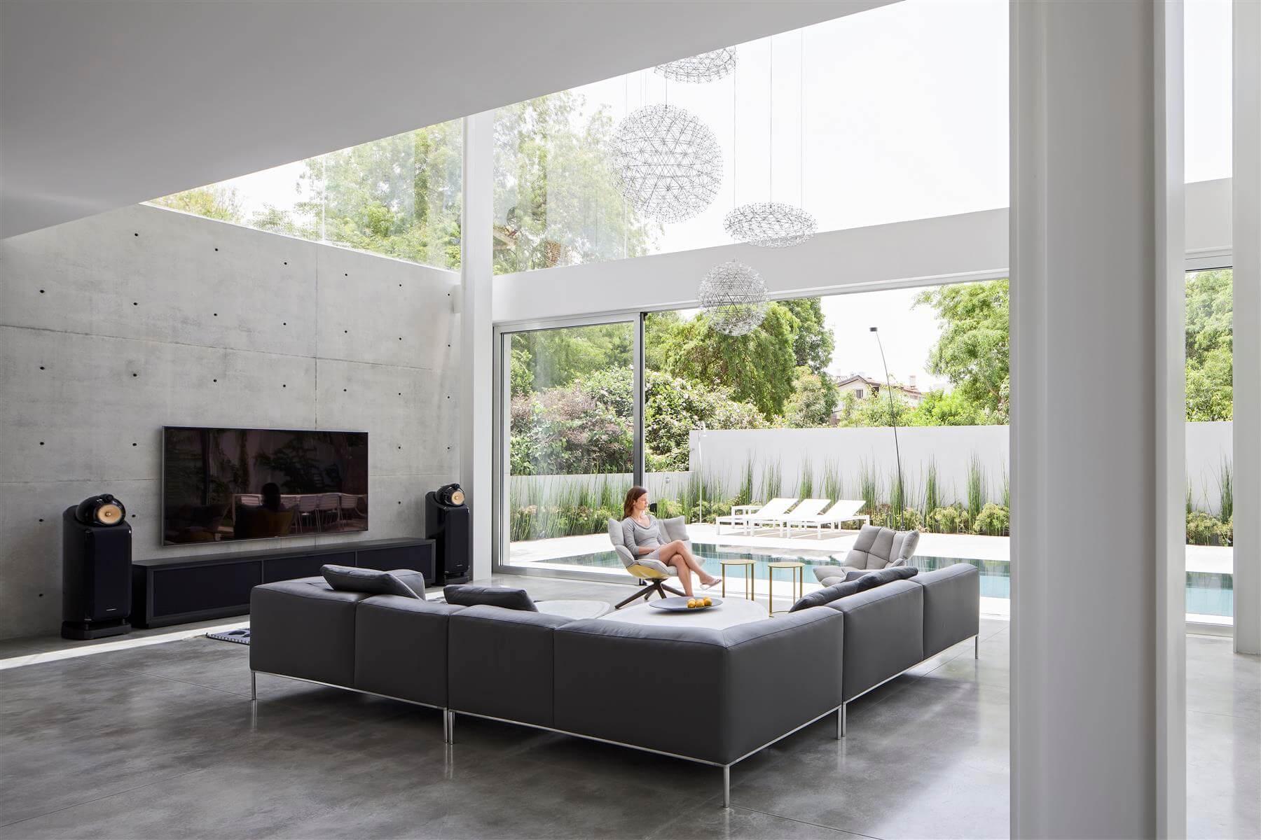 The Concrete Cut House in Ramat Gan by Pitsou Kedem Architects-06