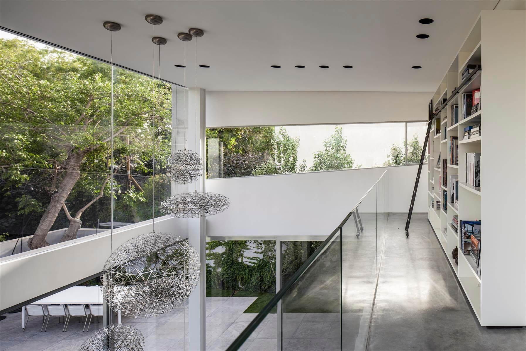 The Concrete Cut House in Ramat Gan by Pitsou Kedem Architects-18