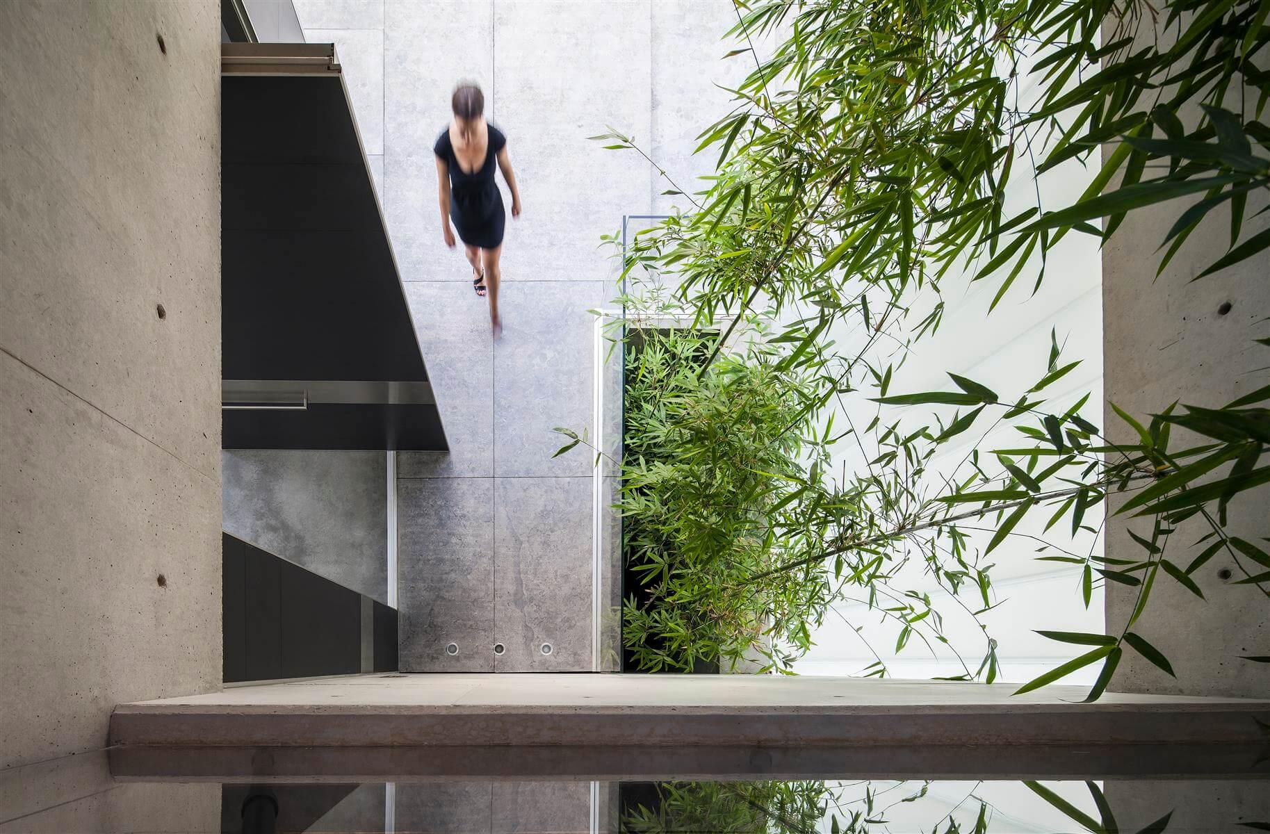 The Concrete Cut House in Ramat Gan by Pitsou Kedem Architects-19