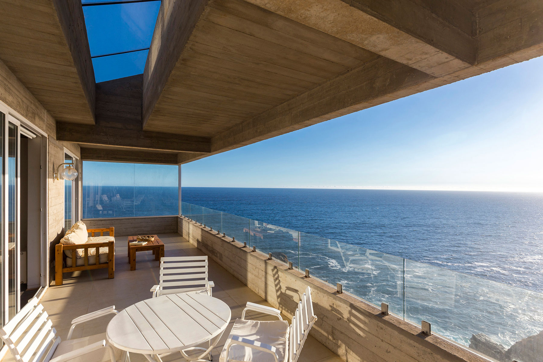The Mirador House located on a cliff enjoying awesome sea views by Gubbins Arquitectos-07