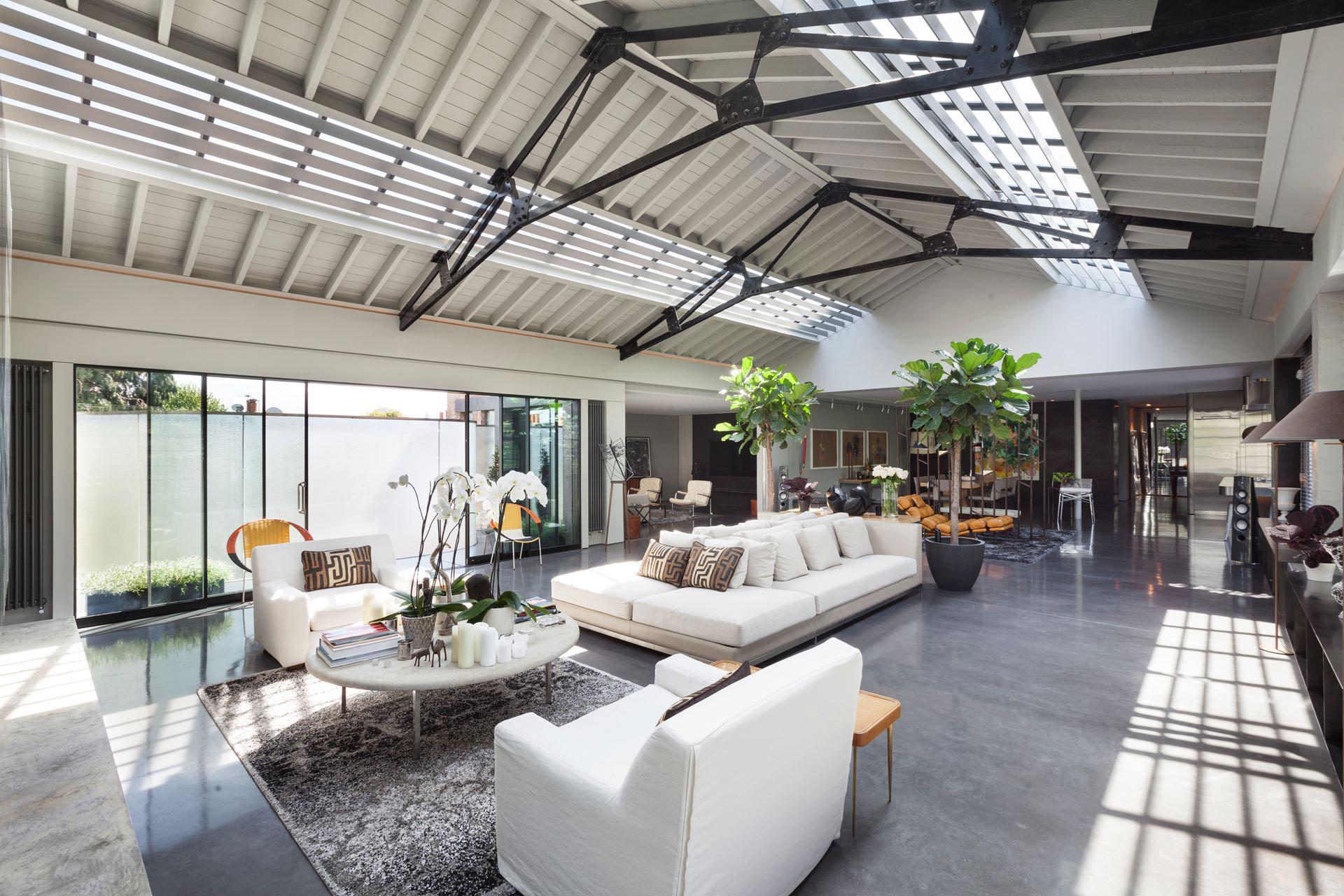 The Talisman Building conversion of a warehouse into a modern penthouse in London-03
