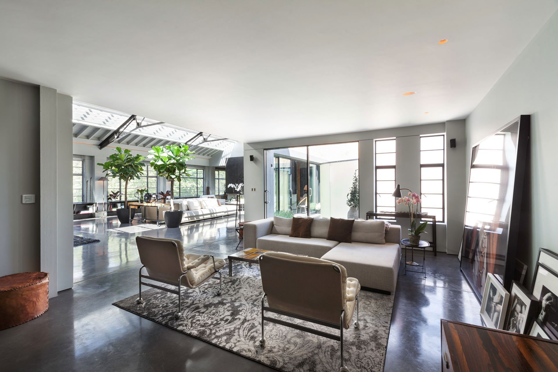 The Talisman Building conversion of a warehouse into a modern penthouse in London-05