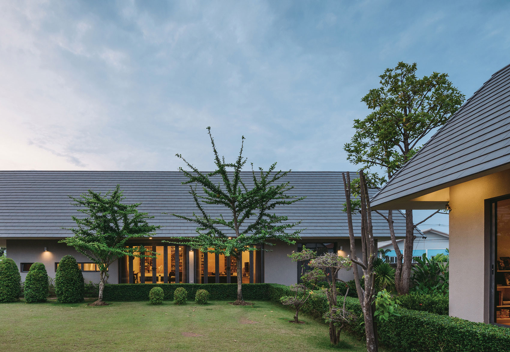 The Triangle House near Bangkok by Phongphat Ueasangkhomset-19