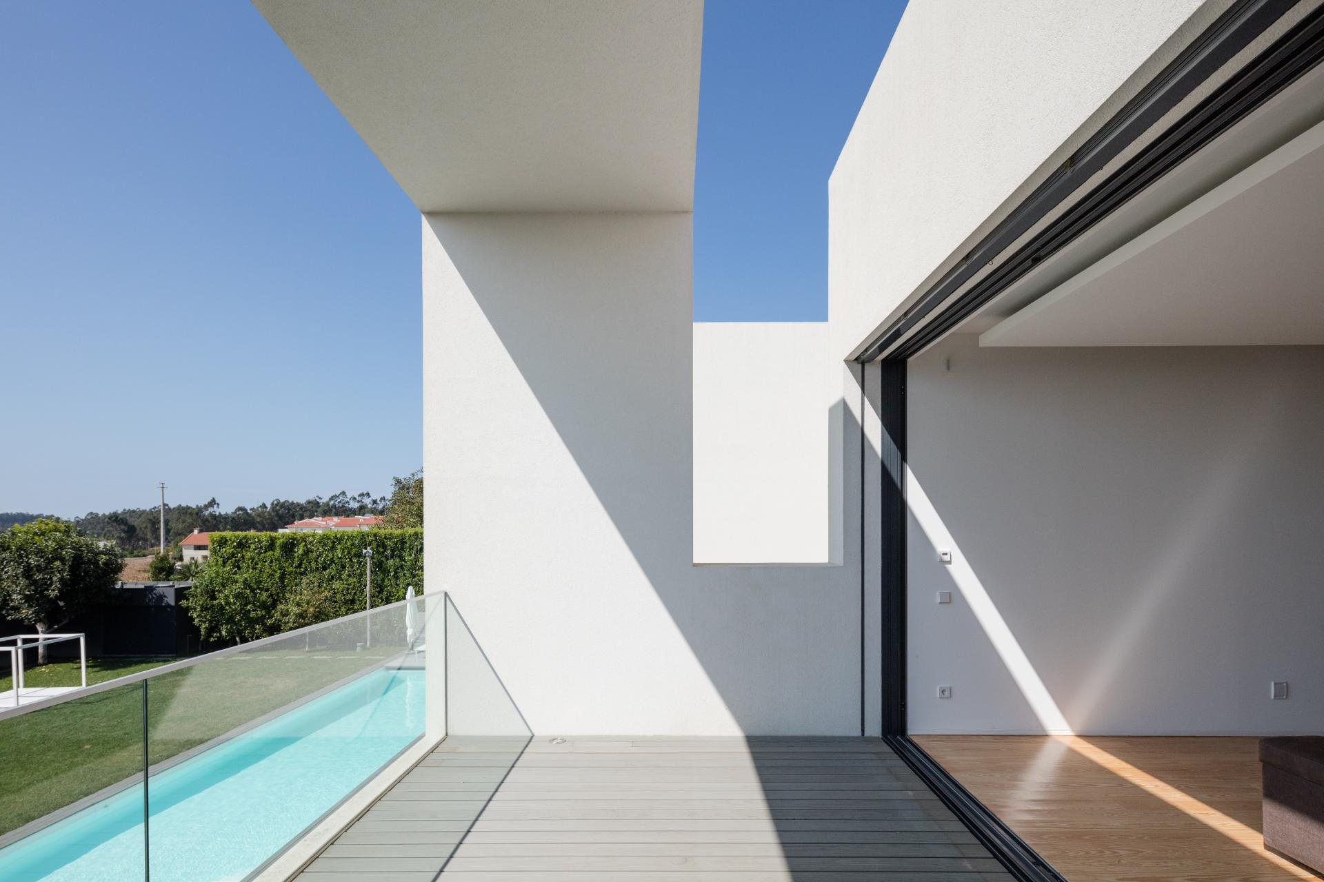Touguinhó II Residence by Raulino Silva Arquitecto-03