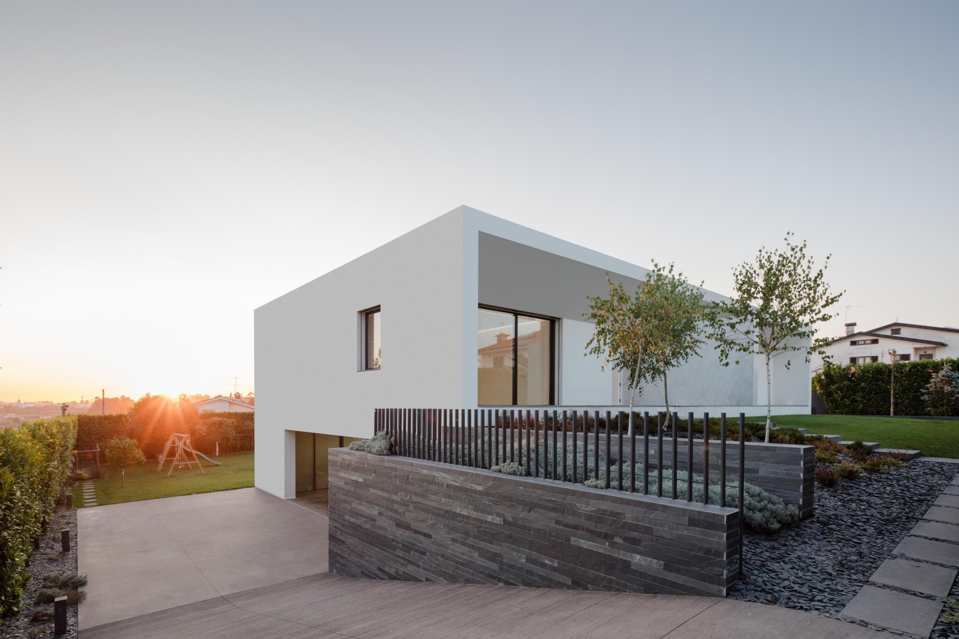 Touguinhó II Residence by Raulino Silva Arquitecto-05