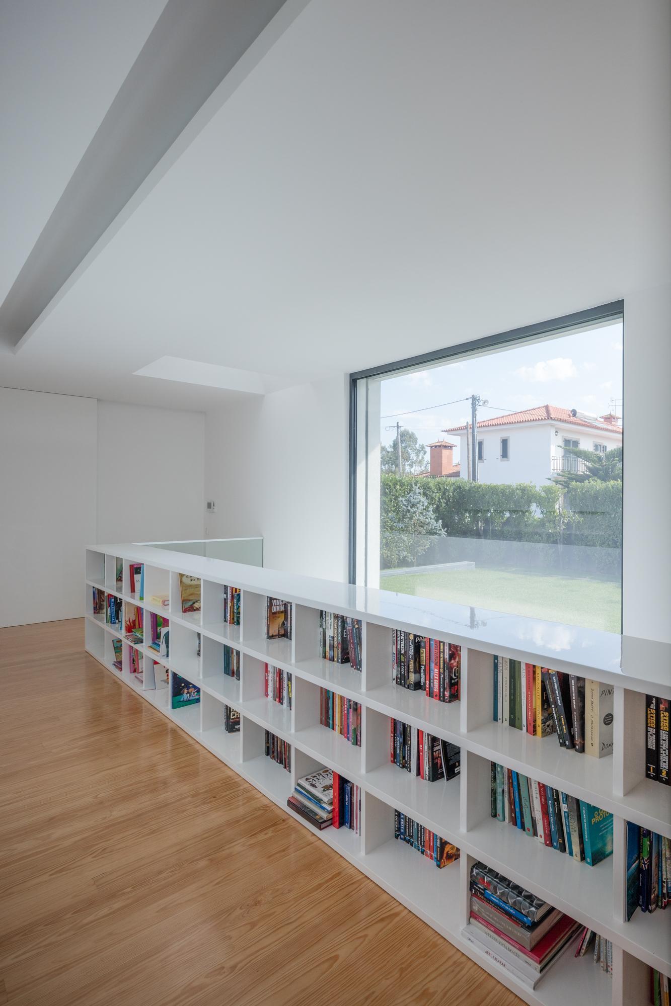 Touguinhó II Residence by Raulino Silva Arquitecto-09