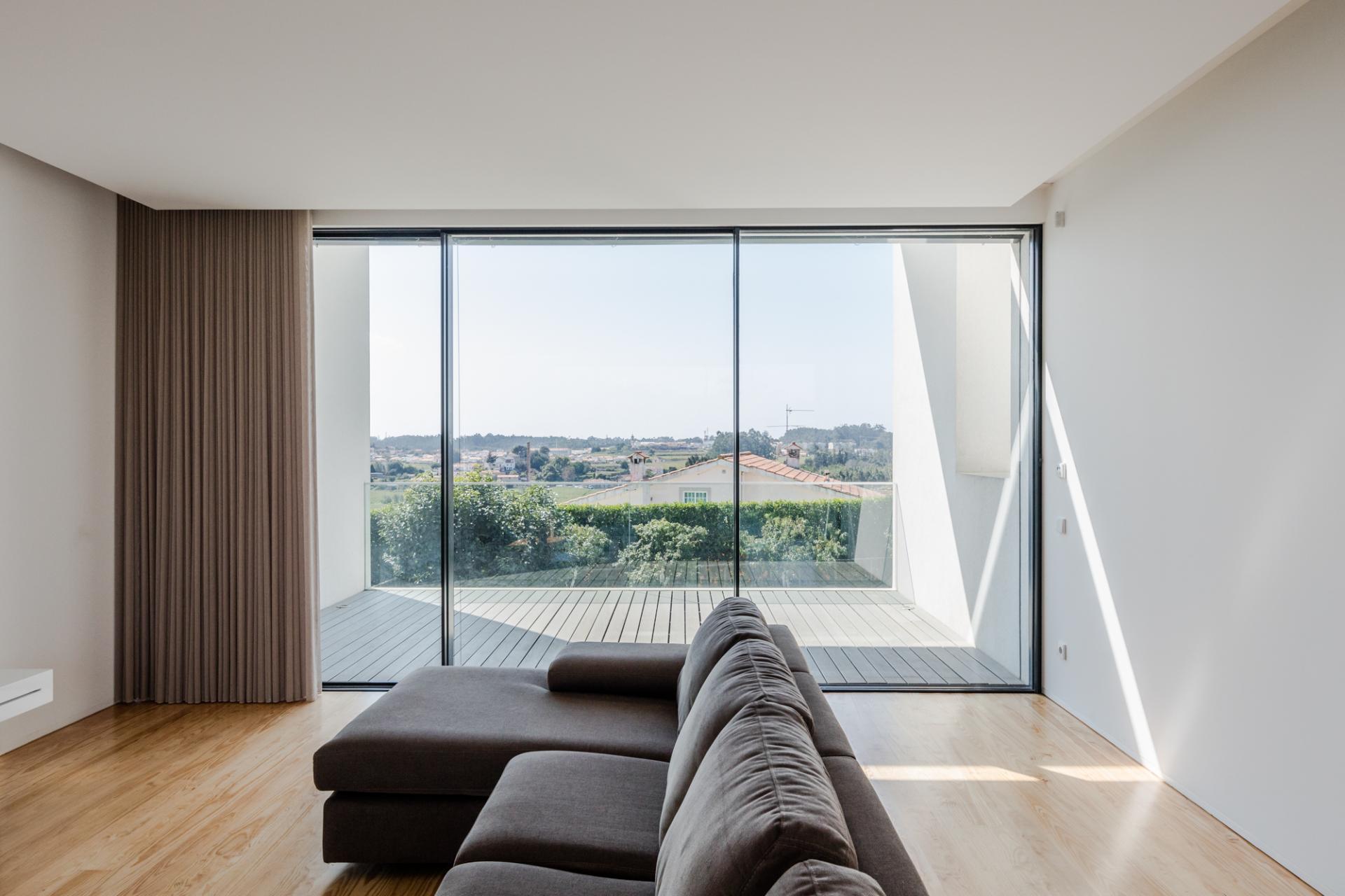Touguinhó II Residence by Raulino Silva Arquitecto-12