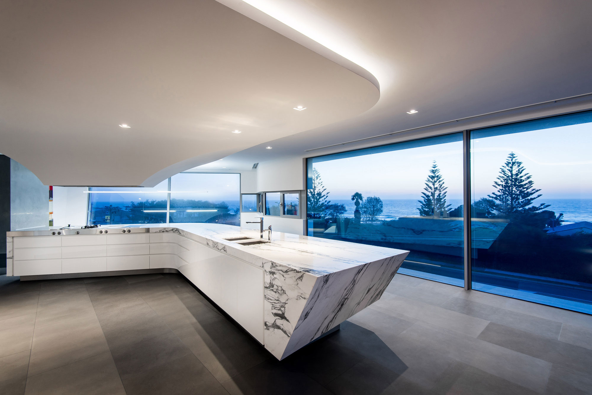 Trigg Modern Beach Residence by Hillam Architects-05