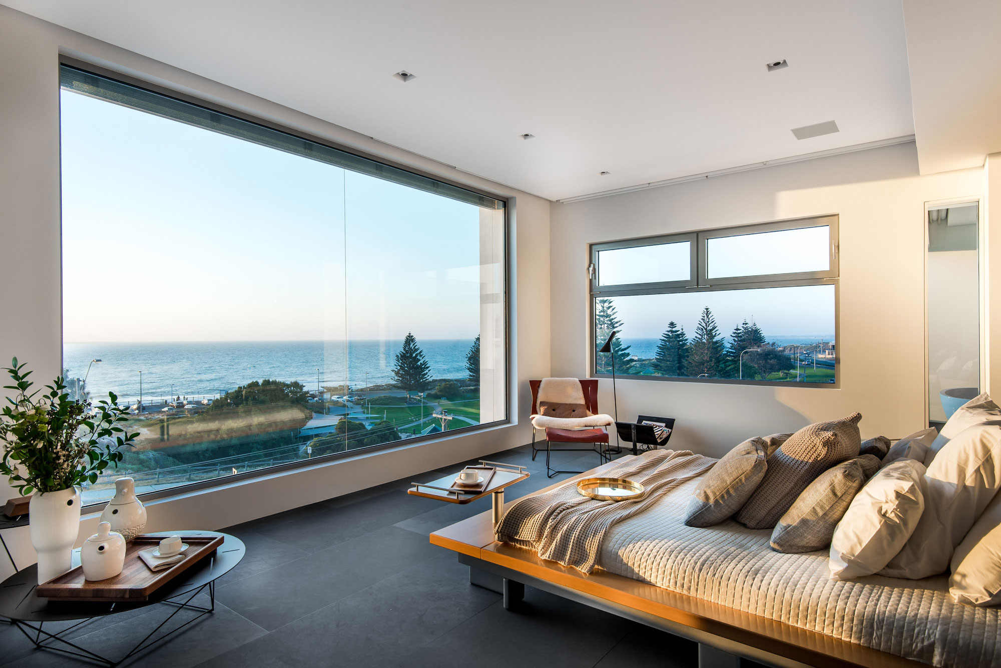 Trigg Modern Beach Residence by Hillam Architects-08