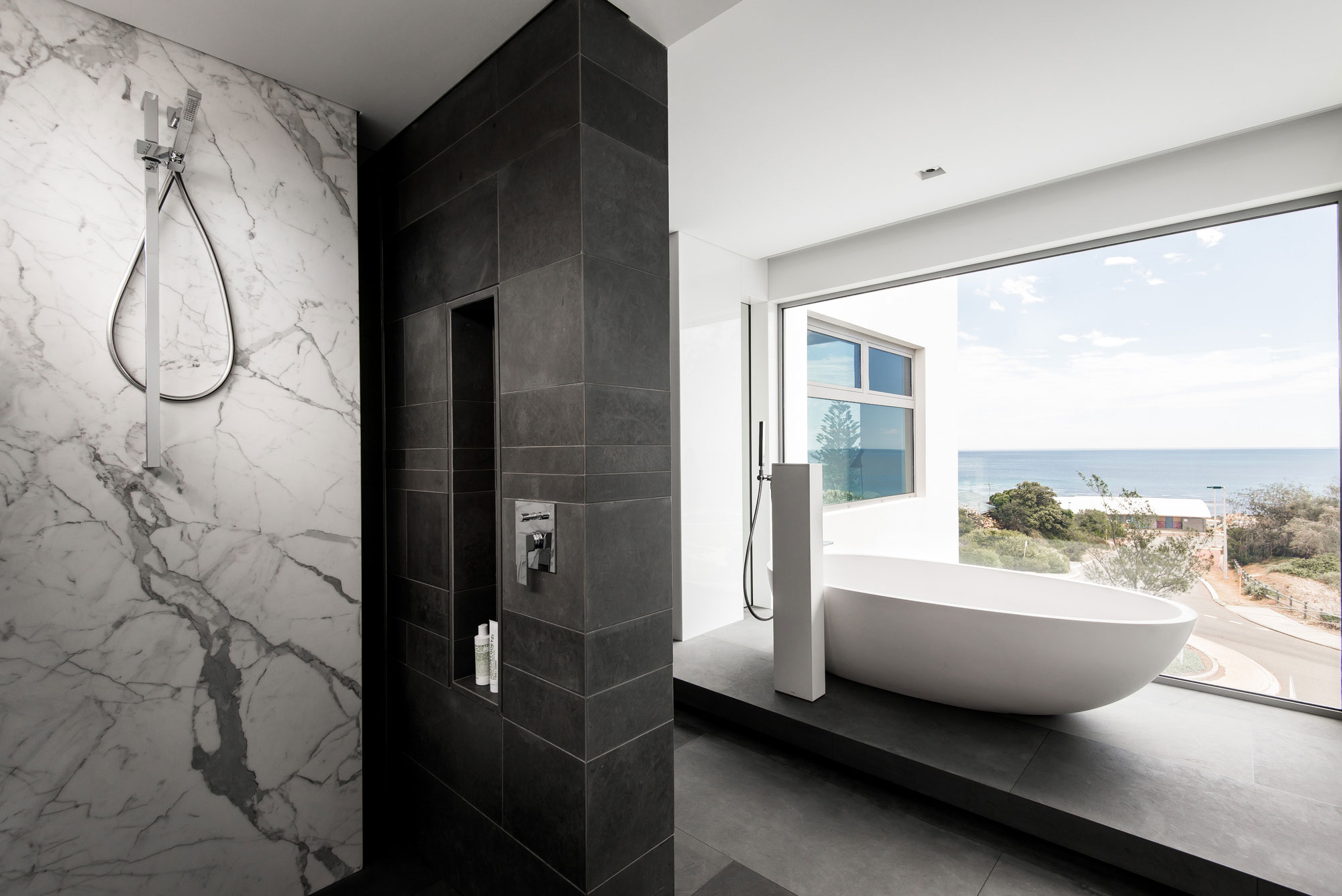 Trigg Modern Beach Residence by Hillam Architects-11