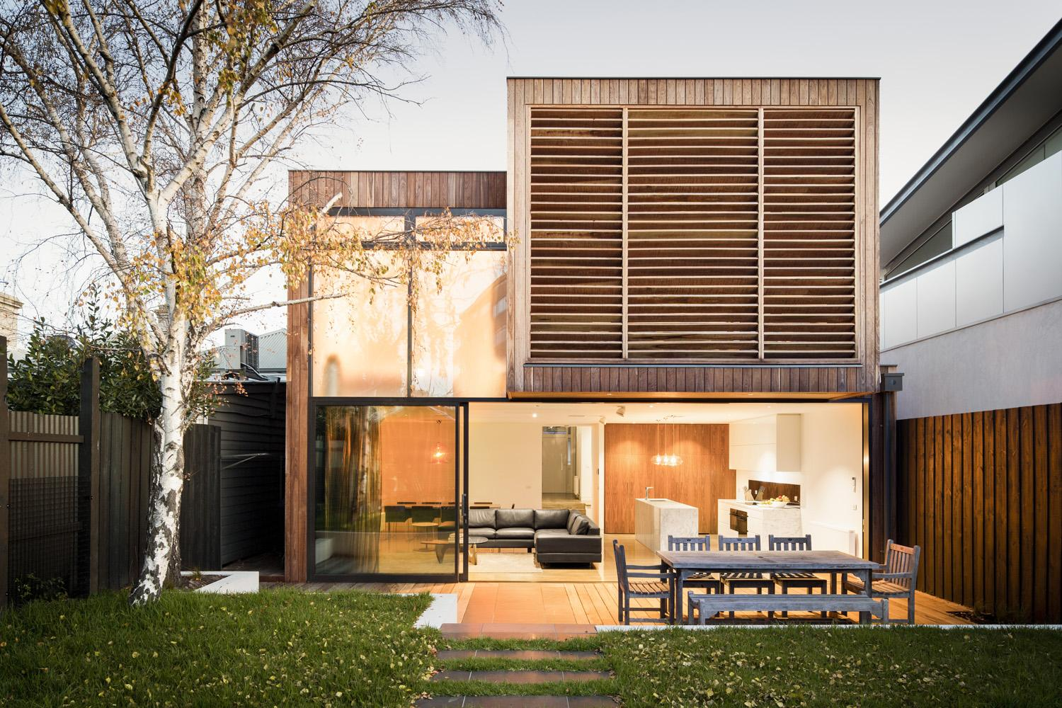 Victorian Middle Park House in Melbourne by Mitsuori Architects-02