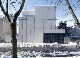 Villa Criss-Cross Envelope Located in Ljubljana by OFIS Architects
