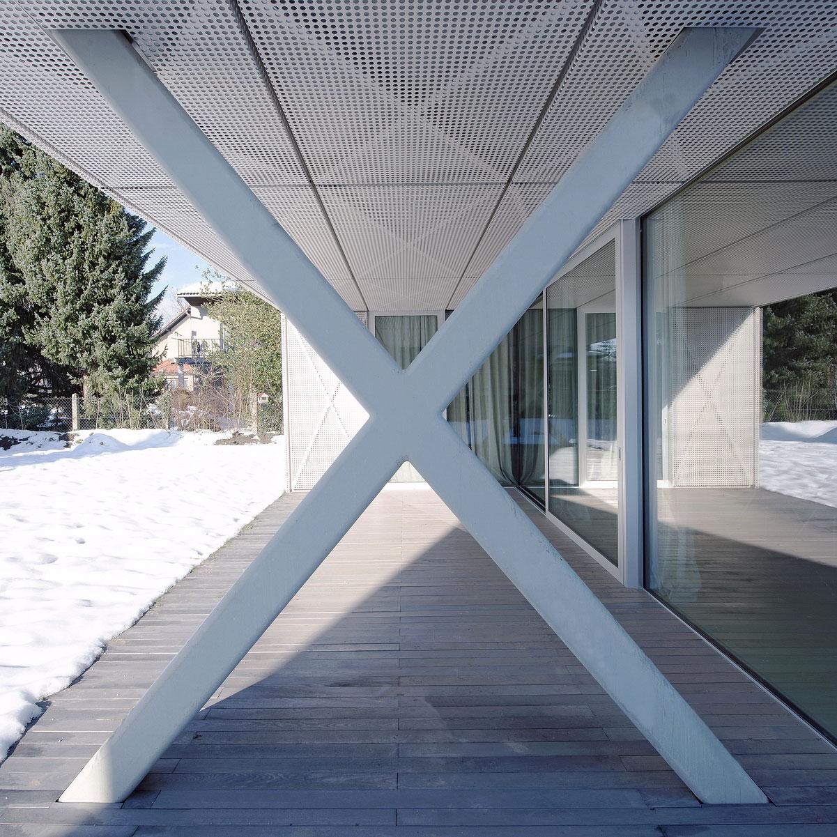 Villa Criss-Cross Envelope Located in Ljubljana by OFIS Architects-05