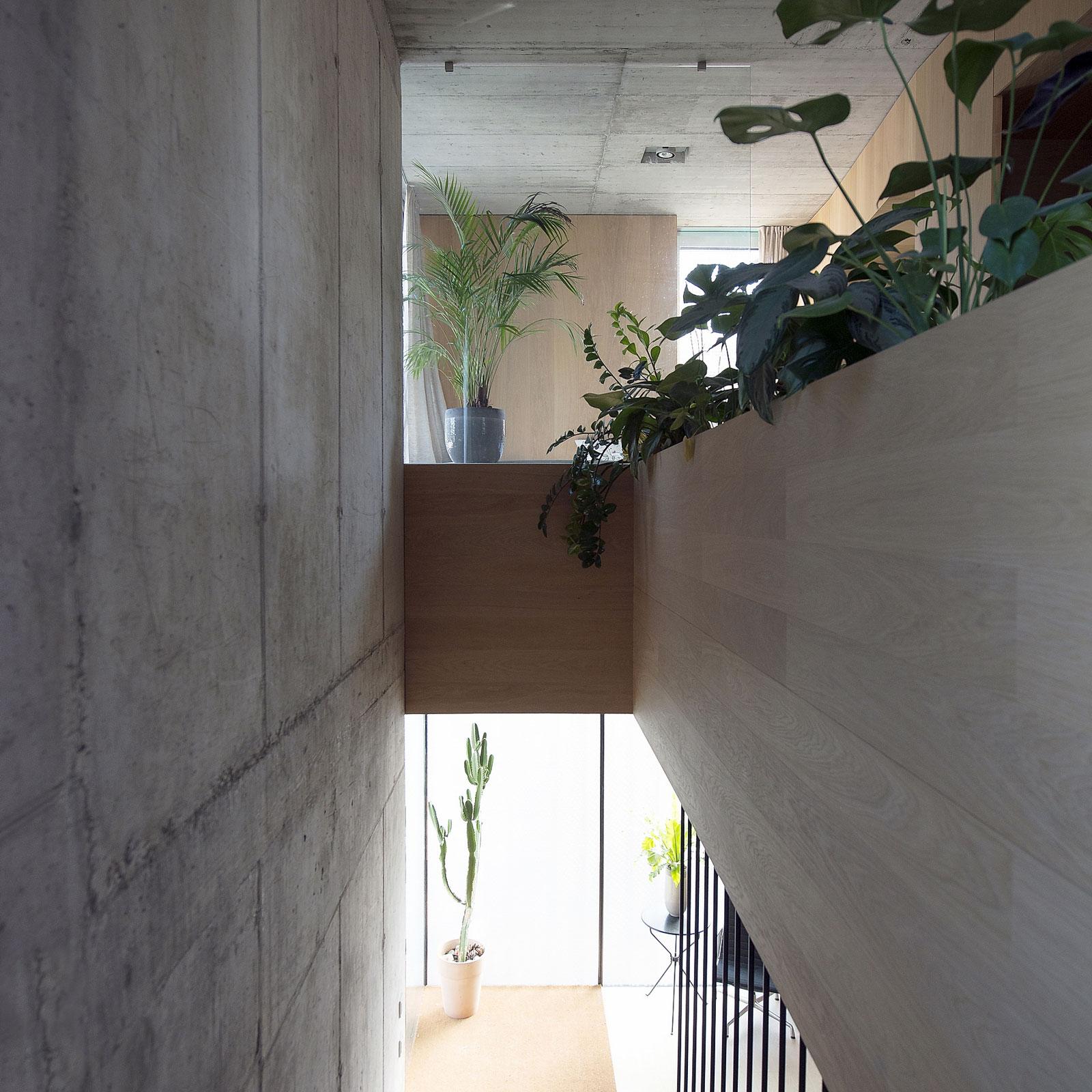 Villa Criss-Cross Envelope Located in Ljubljana by OFIS Architects-13