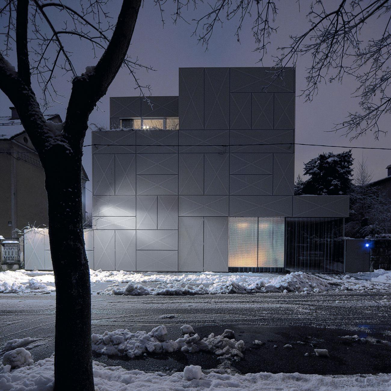 Villa Criss-Cross Envelope Located in Ljubljana by OFIS Architects-24