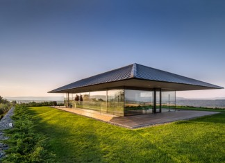Walls made of gabion and awesome 360 degree views of Observation house by I/O architects