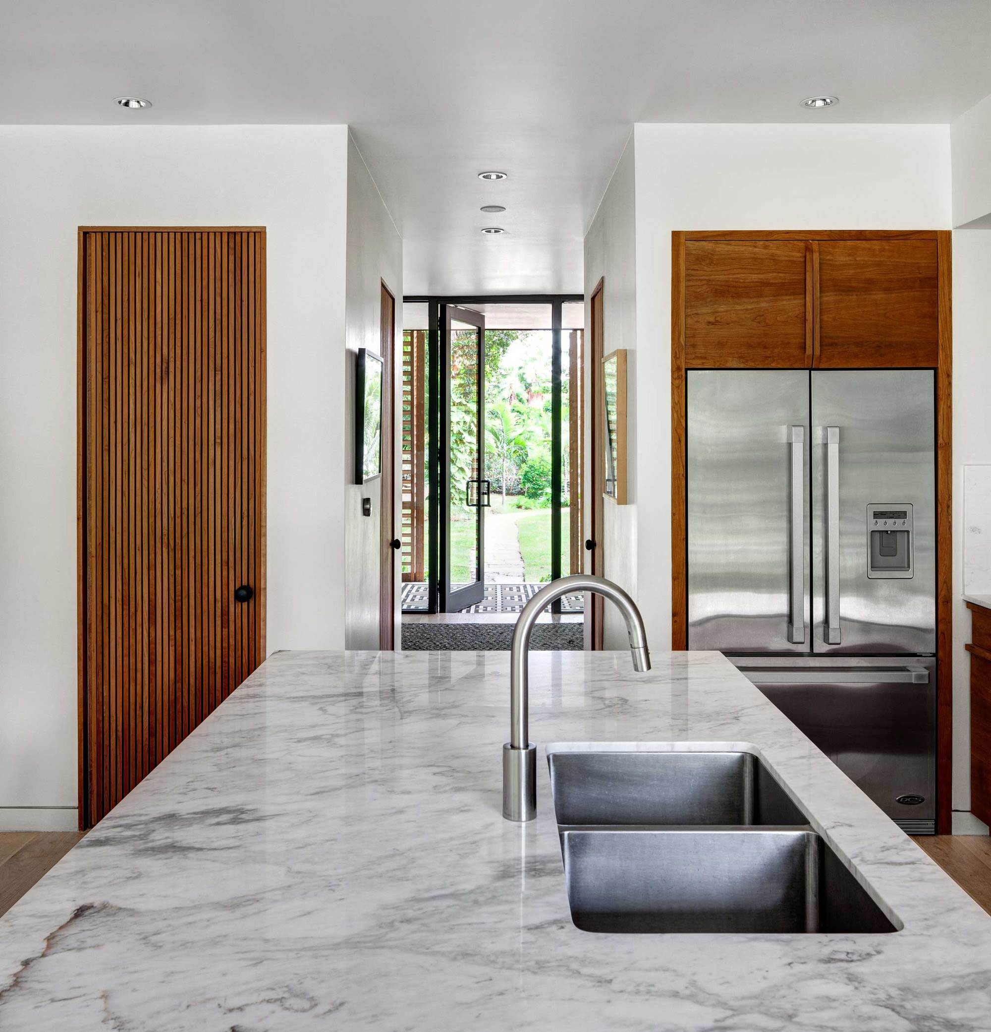 Wooden Tropical Brillhart House Located in Miami by Brillhart Architecture-04