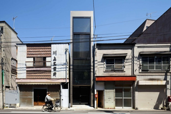 1.8-M-Width-House-by-YUUA-Architects-&-Associates-01