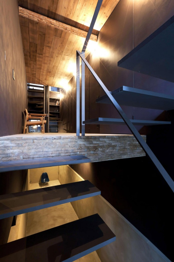 1.8-M-Width-House-by-YUUA-Architects-&-Associates-03