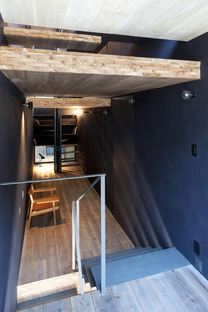 1.8-M-Width-House-by-YUUA-Architects-&-Associates-04