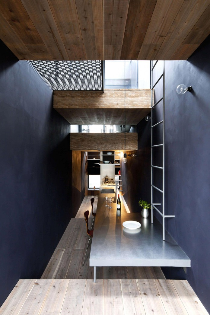 1.8-M-Width-House-by-YUUA-Architects-&-Associates-06