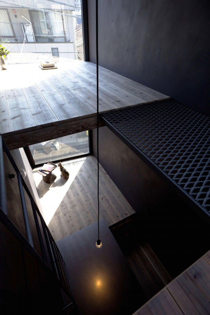 1.8-M-Width-House-by-YUUA-Architects-&-Associates-10