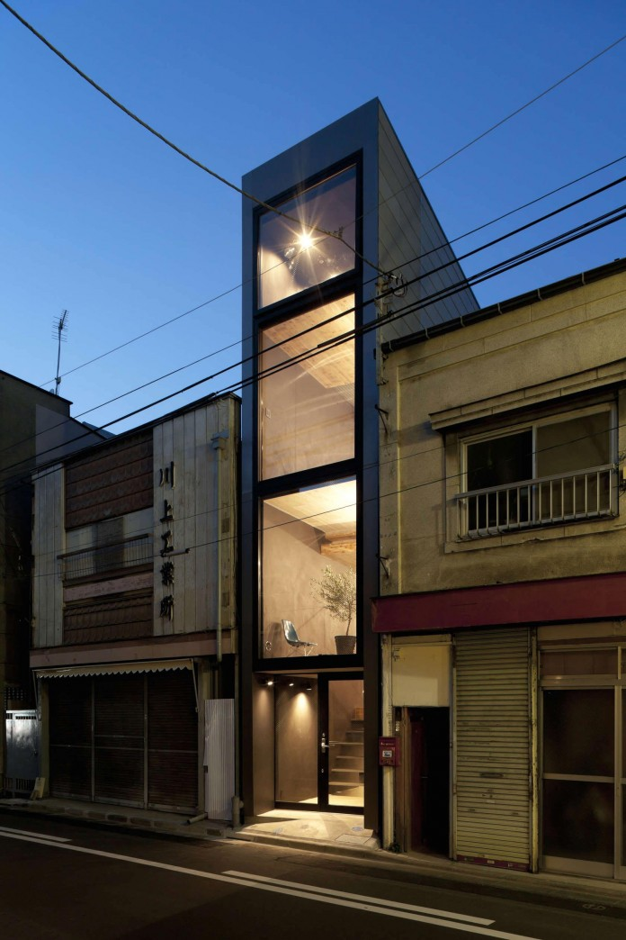 1.8-M-Width-House-by-YUUA-Architects-&-Associates-11