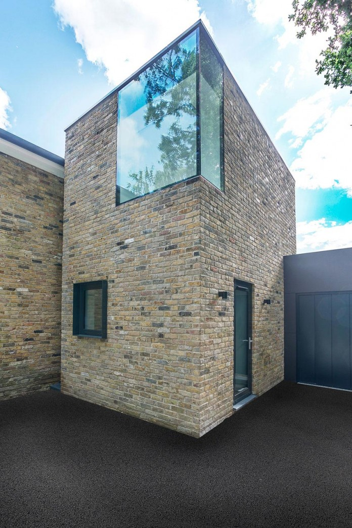 4-Bedroom-Richmond-Home-by-AR-Design-Studio-Architects-02