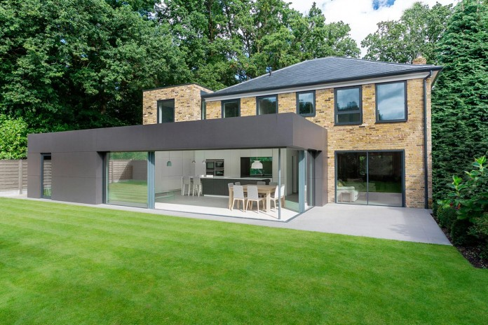 4-Bedroom-Richmond-Home-by-AR-Design-Studio-Architects-03