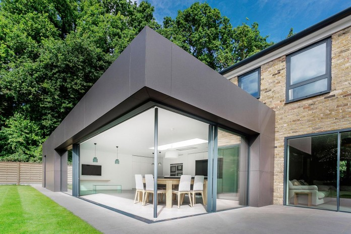 4-Bedroom-Richmond-Home-by-AR-Design-Studio-Architects-04