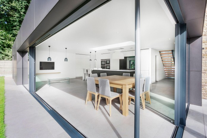 4-Bedroom-Richmond-Home-by-AR-Design-Studio-Architects-05