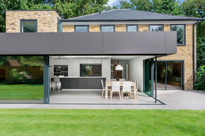 4-Bedroom-Richmond-Home-by-AR-Design-Studio-Architects-07